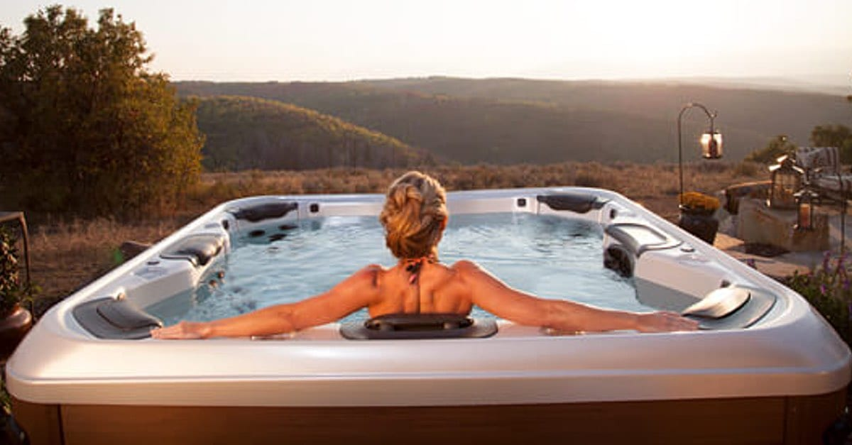 Hot Tub Privacy Ideas to Create the Perfect Outdoor Escape