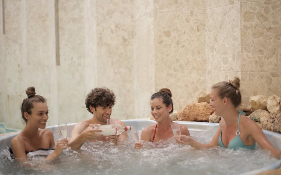 2020's Best Hot Tubs! Here They Are!