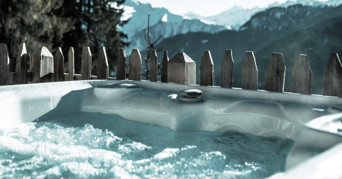 Best Hot Tubs For Colorado Cool Mountain Climates