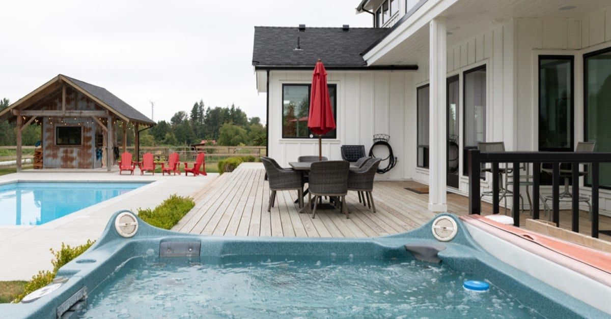 What Are The Best Hot Tubs For Backyards?